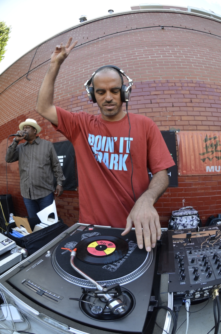 SPANISH HARLEM HOP 6 30 11 BOBBITO SPINNING PHOTO JOE CONZO TOW_jc_305